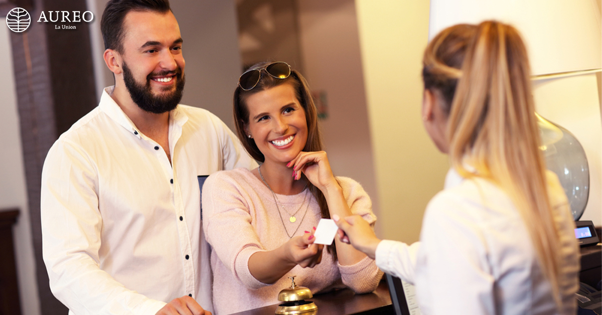 basic hotel etiquette